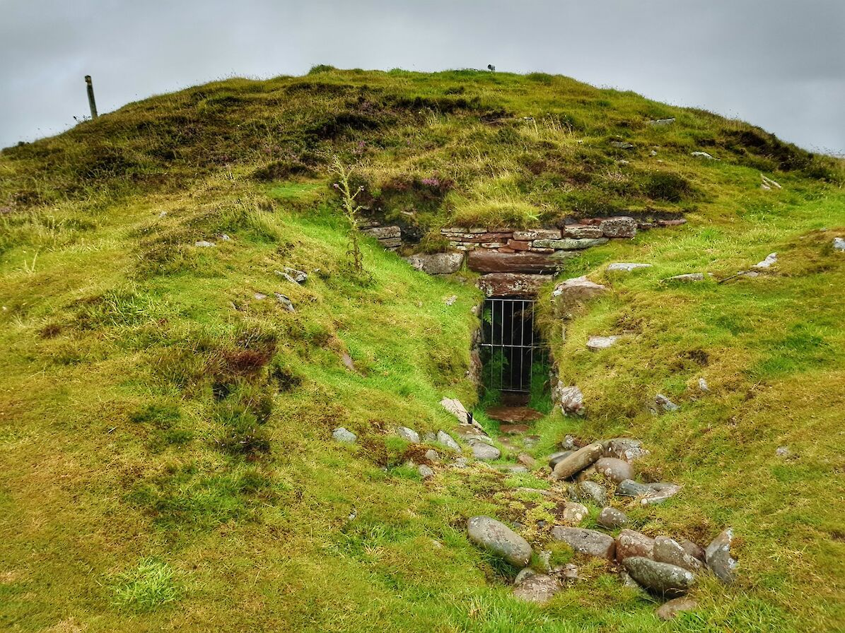 Vinquioy Chambered Cairn - image by Susanne Arbuckle