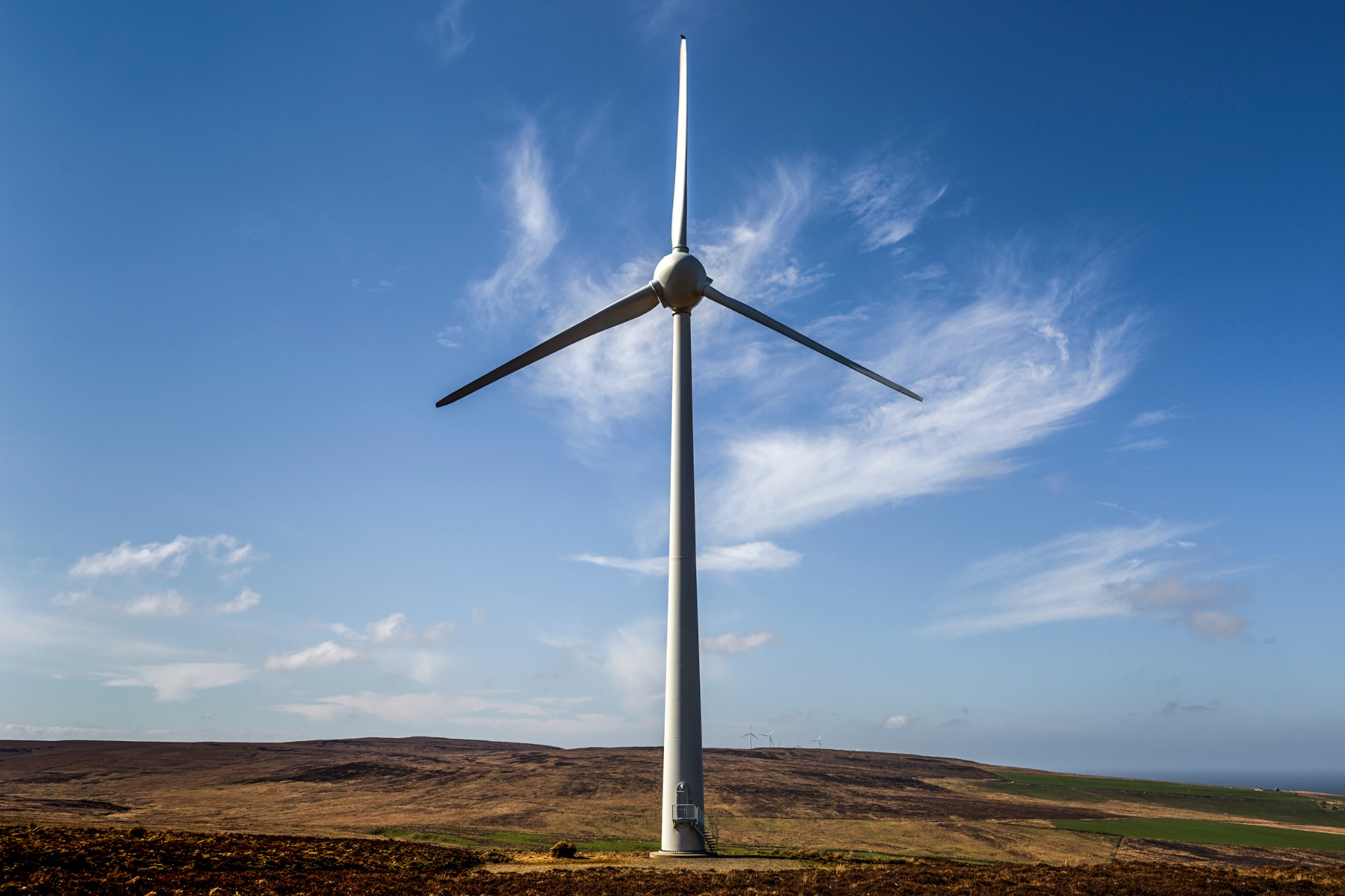 Wind turbine in Orkney - image by Luigi Avantaggiato