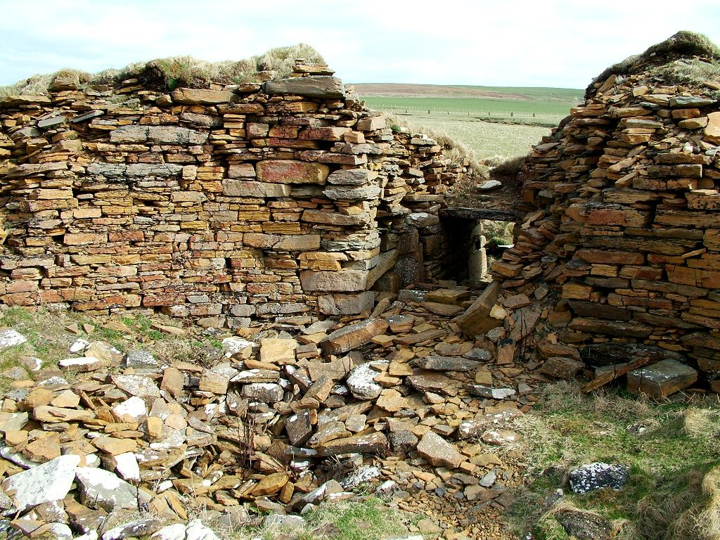 Rubble inside the Broch of Borwick - image by Sigurd Towrie