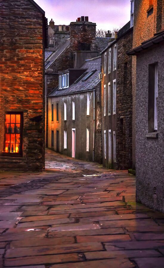 The winding Stromness Street - image by Glenn McNaughton